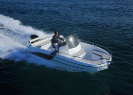 Location BENETEAU Flyer 6.6 Space Deck